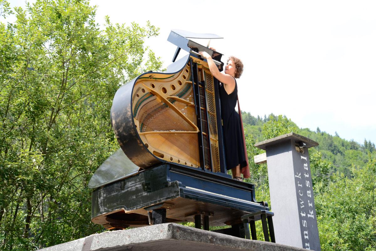 Karen Schlimp und die pianopyramid. Foto (c) Wolfgang Wohlfahrt